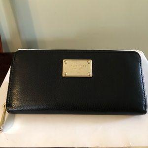 Beautiful Michael Kors Wallet.